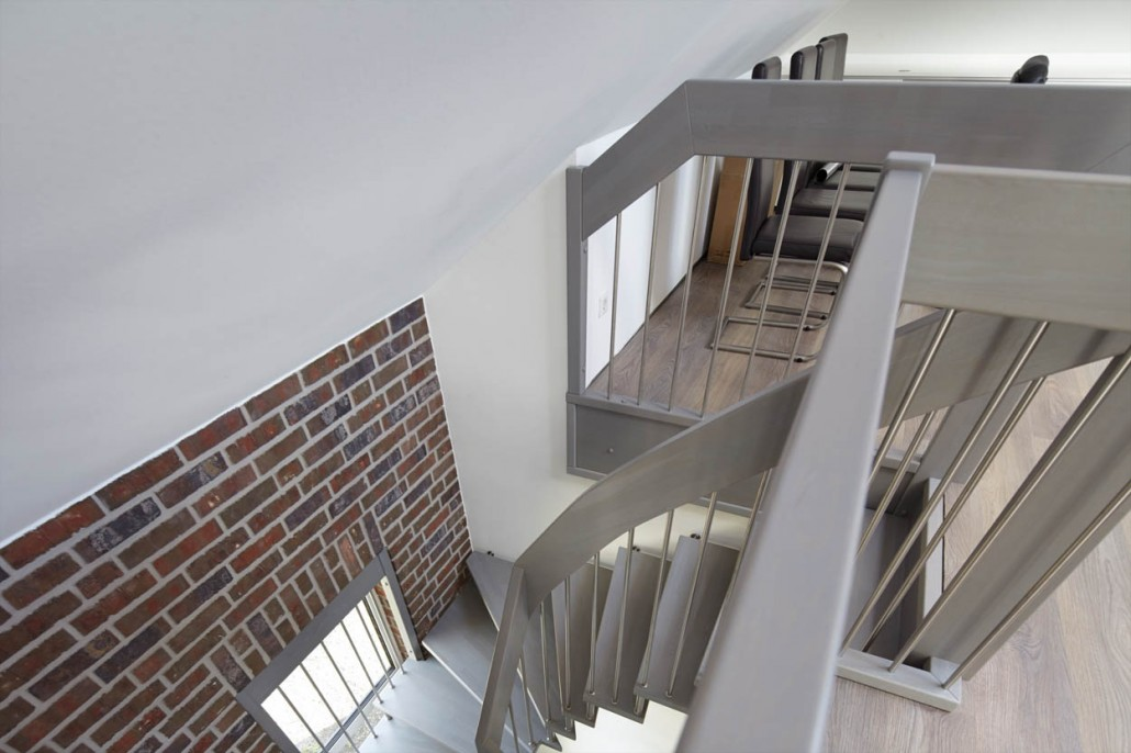 handlauftreppe country haus hegers treppen. Black Bedroom Furniture Sets. Home Design Ideas